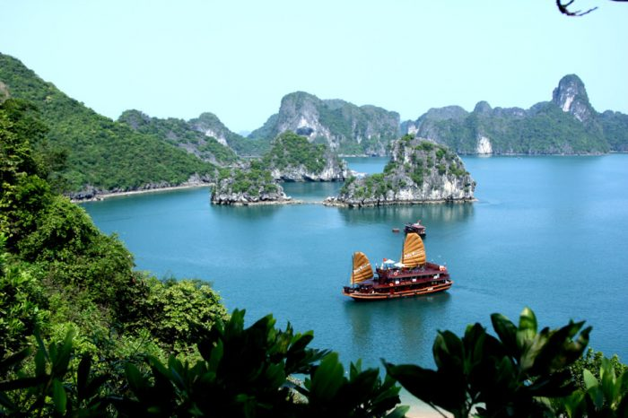 4D3N Ha Noi – Ha Long Bay Tour, Budget Daily Tour