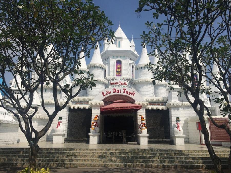 vietnam tour from Malaysia visit suoi tien theme park