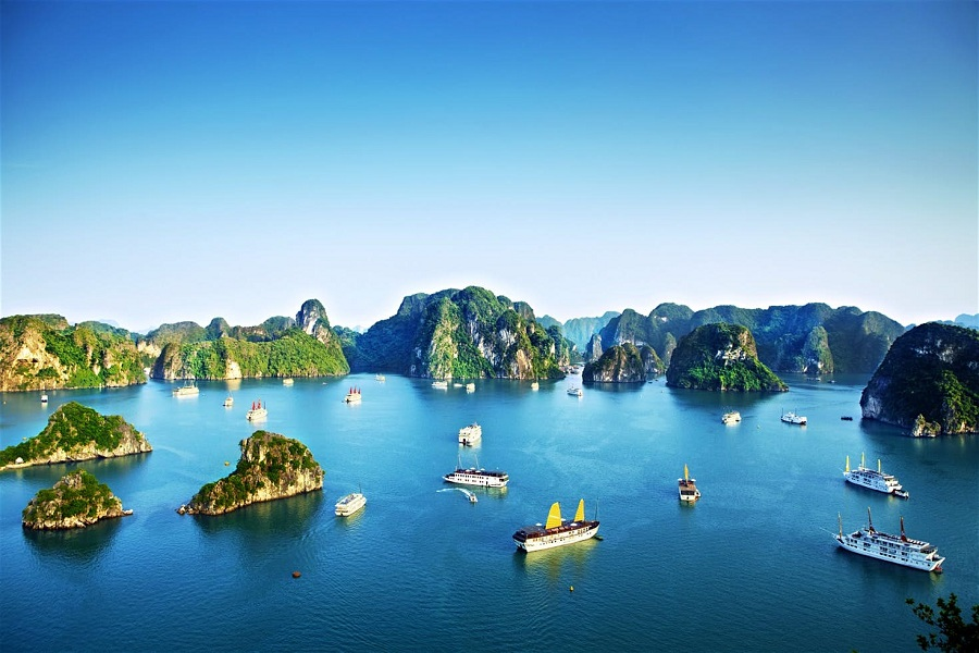landscape of Halong Bay tour from hanoi