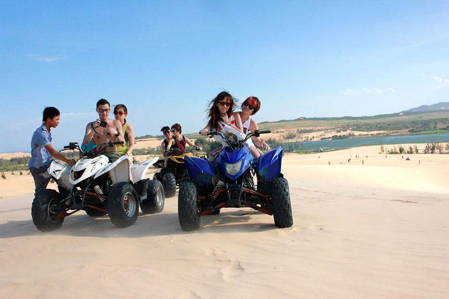 sand dunes tour in Mui Ne