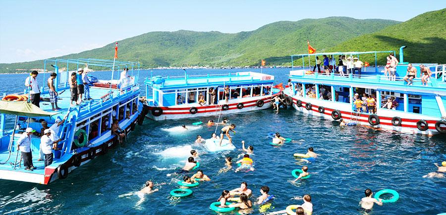 4 island boat tour Nha Trang