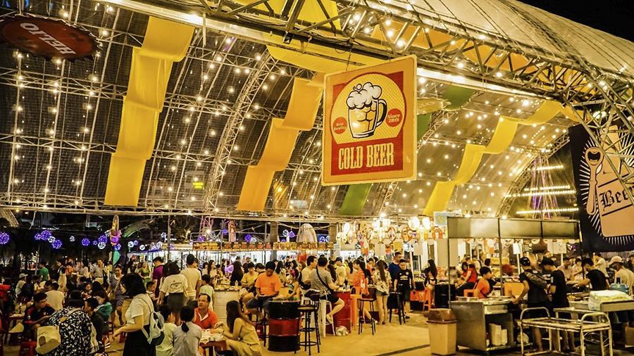 dinning at night market